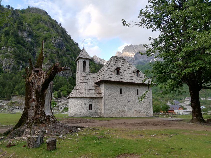 Iglesia en Theth