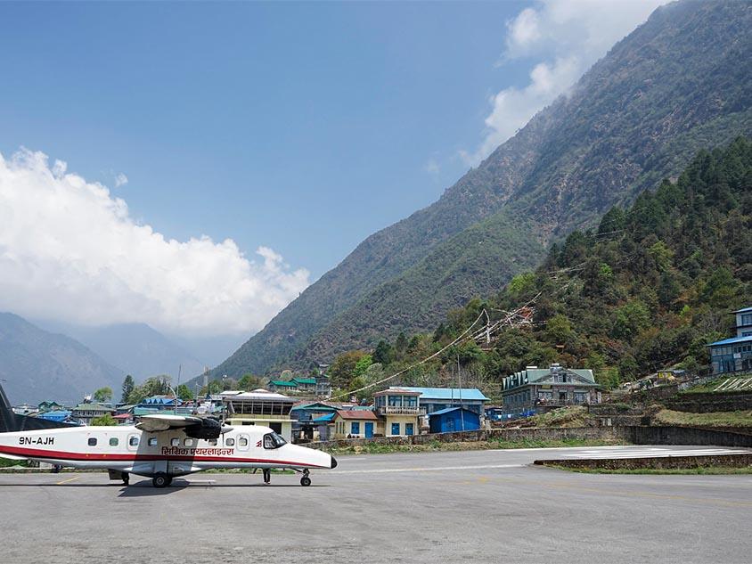 Aeropuerto de Lukla antes del Trekking por el valle del Khumbu